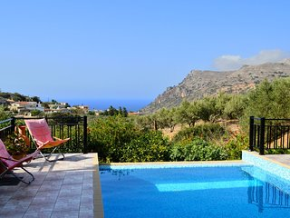 Villa with private pool & great sea view,3 bedrooms,Wifi, BBQ & outdoor kitchen, Ravdoucha