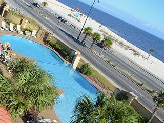 Awesome Beachfront Condo (307), Gulfport