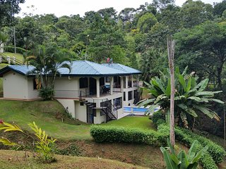 Seahorse House, Peaceful, comfortable, 5 min to the beach, restaurants, stores., Uvita