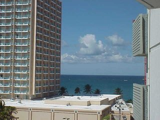 Ashford Imperial Condo Condado Jr Bedroom Ocean View Balcony Queen Bed Sleeps 2, San Juan