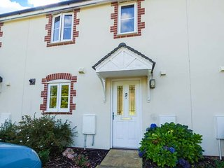 2 KENSEY COURT, two bedrooms, off road parking, enclosed lawned garden, Launcest