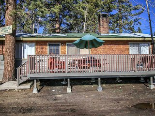 Sunrise Lakeside Cabin~Great Fishing Location~Full Kitchen~Fireplace~Pets~WiFi~