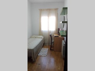 Single room in Madrid+special for tourists