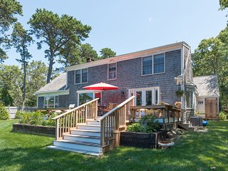 BRANP - Waterfront Home with Private Dock on Lagoon, Accessible to Vineyard, Oak Bluffs