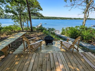 BRANP - Ferry Tickets July Weeks, Waterfront Home with Private Dock on Lagoon