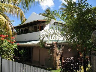 Comfortable villa 60 metres from the beach, Trou aux Biches