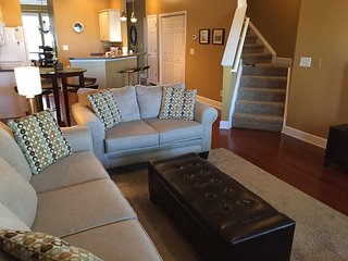 Beautiful Modern Townhome with Two Master Suites!, North Myrtle Beach