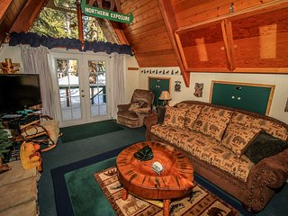 Mason's Mountain Retreat~Cozy & Furnished Moonridge Area Home~Fireplace & BBQ~