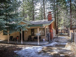 Oriole Cottage~Single Story Home~Full Kitchen~Great Location~Washer/Dryer~WiFi~