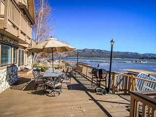 Oso Grande Lakeside Family Cabin~Foosball~Expansive Decks~Close To Town~