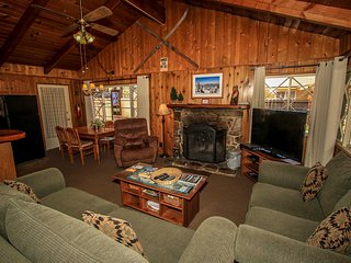 Oriole Cottage~Single Story Home~Full Kitchen~Great Location~Washer/Dryer~WiFi~, Big Bear Region