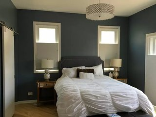 Furnished 1-Bedroom Condo at N Paulina St & W Pearson St Chicago