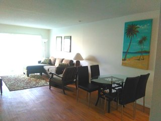 Close to Siesta Key, Updated, 2 Bedrooms King Beds, Sarasota