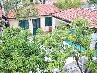 A new villa with swimming pool in Split centre, sleep 10