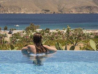 Romantic Getaway, Panormos