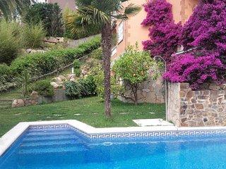 Luxueuse Villa, vue mer, piscine privée, 7-8 personnes, cuisine d'été