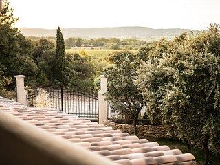 Gîte design piscine intérieure pour deux personnes Uzès Pont du Gard