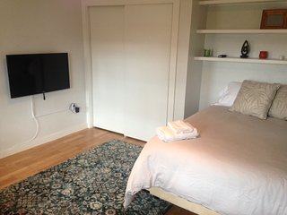 Convenient private Room Close to T & Boston_3B