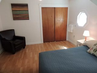Convenient Big Room Close to T & Boston_3D