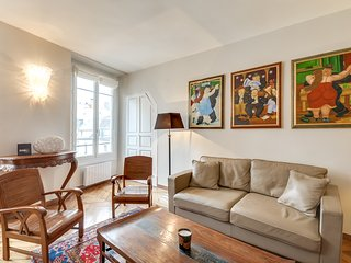Two-Room Apartment for Two in Saint-Germain-des-Pr, Paris
