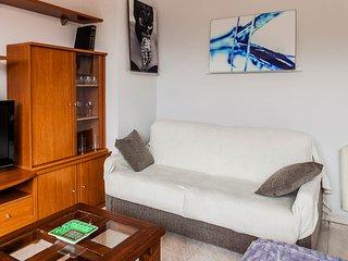 Salón con Un sofá cama doble de excelentes asientos colchón viscoelástico, fácil de abrir muy cómodo