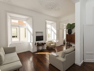 Spacious Sé Vintage apartment in Baixa/Chiado with WiFi.