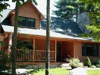 Rustic Luxury - Sleeps 14, Hot Tub, Game Room, Bar, Fryeburg