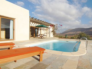 Exclusiva Villa con Piscina en un entorno natural, La Oliva