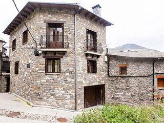 Valle Benasque 4 y 6 pax. Casa Menchiques