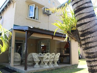 Comfortable villa with access to the beach, Trou aux Biches