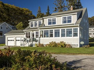 5BR, 2.5BA Introducing Sage Cottage- Classic New England Ocean Point House, East Boothbay