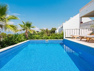 Villa Zavoreo - private pool, BBQ, just 100 m from the beach, stunning sea views