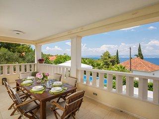 Villa Zavoreo - private pool, BBQ, just 100 m from the beach, stunning sea views