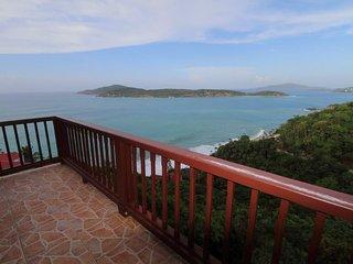 Pelican Way Villas: Frangipani Villa