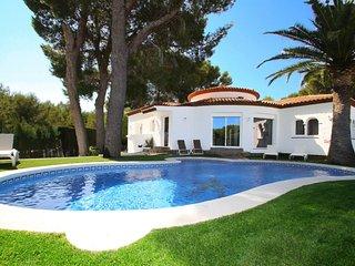 CAMILA Villa piscina privada, jardín y Wifi gratis
