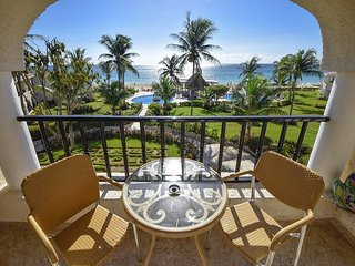 HURRY! 15% REDUCTION on this awesome direct ocean views condo (XH7114)