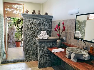 Casa Samba True Tropical Villa w Outstanding Views