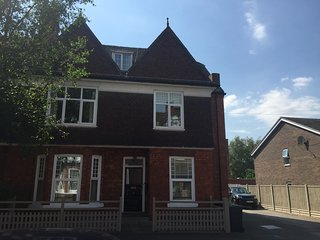 1st Floor Apartment with Garden View, Lincoln