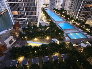 Beautiful Newly Furnished Apt in Luxury High-Rise, Miami