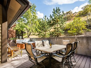 Canyon Retreat Spacious, 4 bd 4 bth condo HOT TUB, Cottonwood Heights