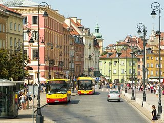 M4 apartment in Stare Miasto with WiFi & airconditioning.