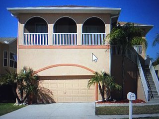 Luxury Waterfront Home: Private Beach, Heated Pool, New Port Richey