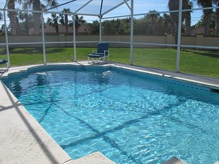 3BR /2B Huge Lot Pet Friendly Pool Home