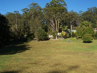 Country Cottage just off M1....but, no noise!, Valla Beach