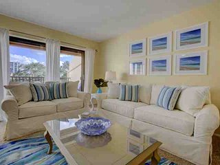 Siesta Key Condo w/Private Beach Access, Wifi Included,  Heated Pool, Tennis & B