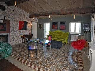 NEW CASTE' SUITE. Fully equipped Italian art/design suite. Gay friendly, La Spezia
