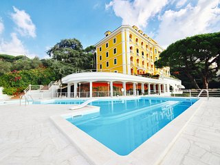 MINA 1BR-pool&restaurant by KlabHouse, Santa Margherita Ligure