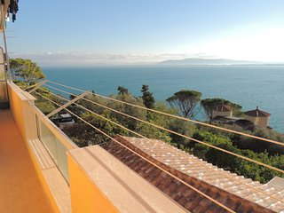 A little apartment with enchanting sea sight, Porto Santo Stefano