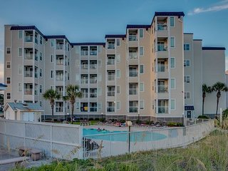 Newly Renovated 2 bedroom, 2 bathroom, oceanfront condo that sleeps 4.