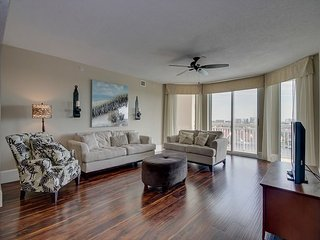 Gorgeous condo in one of the most desired locations in Barefoot Golf Resort!